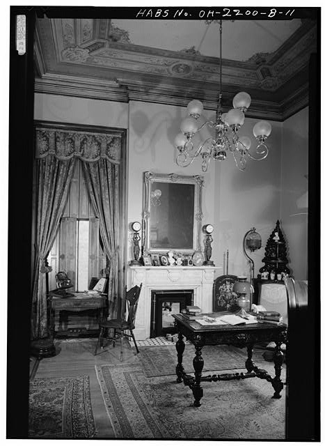 9.  SOUTHEAST (FRONT) ROOM, LOOKING SOUTHEAST - Skaats-Hauck House, 812 Dayton Street, Cincinnati, Hamilton County, OH