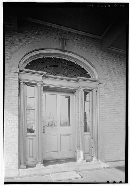 3.  Historic American Buildings Survey, Edgar D. Tyler, Photographer March 4, 1934 DETAL-SOUTH DOORWAY. - Marine Hospital, Third & Kilgour Streets, Cincinnati, Hamilton County, OH