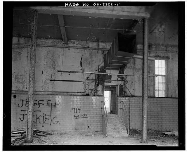 11.  KITCHEN WING, FIRST FLOOR, CENTRAL KITCHEN, LOOKING EAST - Southern Ohio Lunatic Asylum, 2335 Wayne Avenue, Dayton, Montgomery County, OH