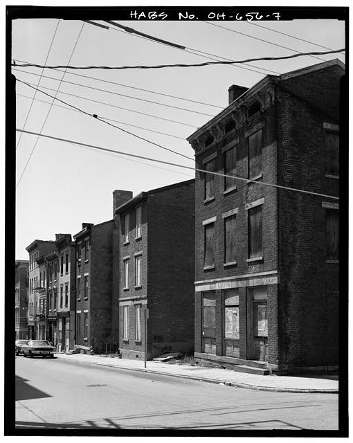 7.  VIEW NORTHWEST SHOWING SOUTH (FRONT) ELEVATIONS OF 400 BLOCK OF EAST TWELFTH STREET - Pendleton Subdivision (Residential-Commercial Buildings), Bounded by Liberty Street, Reading Road & Sycamore Street, Cincinnati, Hamilton County, OH