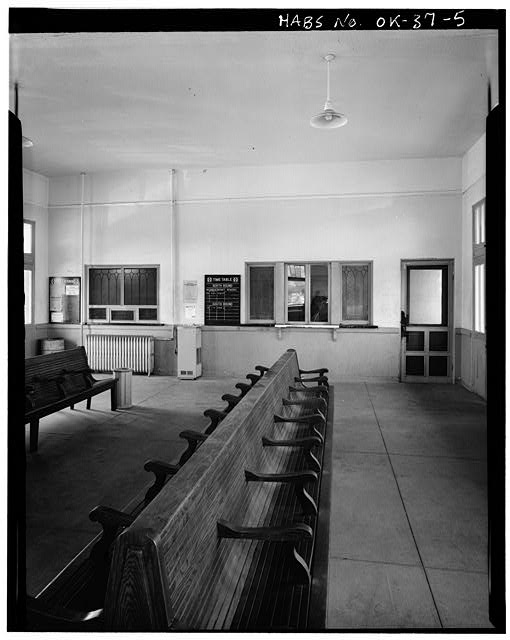 5.  INTERIOR, WAITING ROOM AND TICKET OFFICE - Atchison, Topeka, Santa Fe Railroad Station, Perry, Noble County, OK