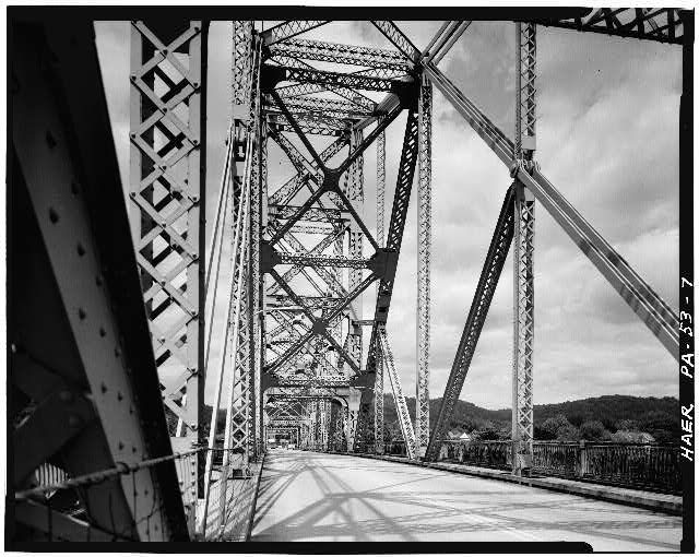 7.  Main span framing, looking north. - Sewickley Bridge, Spanning Ohio River, Sewickley, Allegheny County, PA
