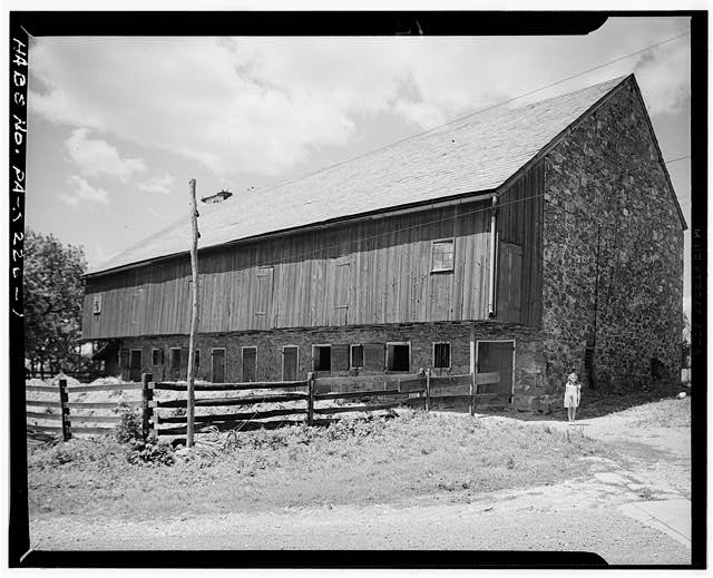 1.  GENERAL VIEW. NOTE VERTICAL SIDING ON FOREBAY - John H. Schriner Barn (1827), Route 3, Lititz, Lancaster County, PA