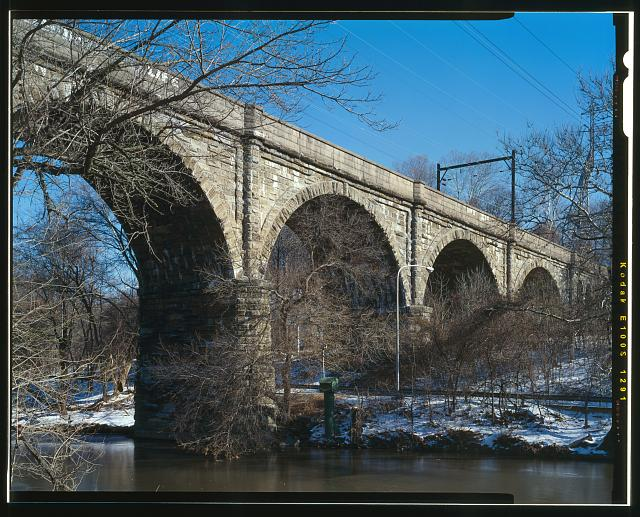 18.  3/4 VIEW, FROM NW - Philadelphia & Reading Railroad, Wissahickon Creek Viaduct, Spanning Wissahickon Creek, north of Ridge Avenue Bridge, Philadelphia, Philadelphia County, PA