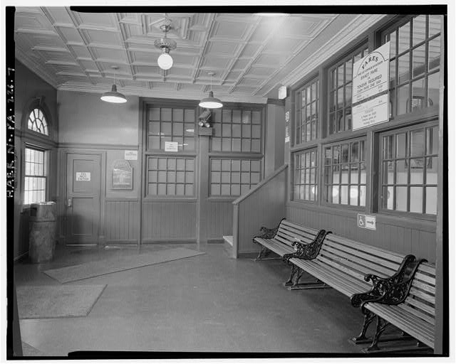 7.  LOWER STATION, FIRST FLOOR, WAITING ROOM, LOOKING EAST. - Monongahela Incline Plane, Connecting North side of Grandview Avenue at Wyoming Street with West Carson Street near Smithfield Street, Pittsburgh, Allegheny County, PA