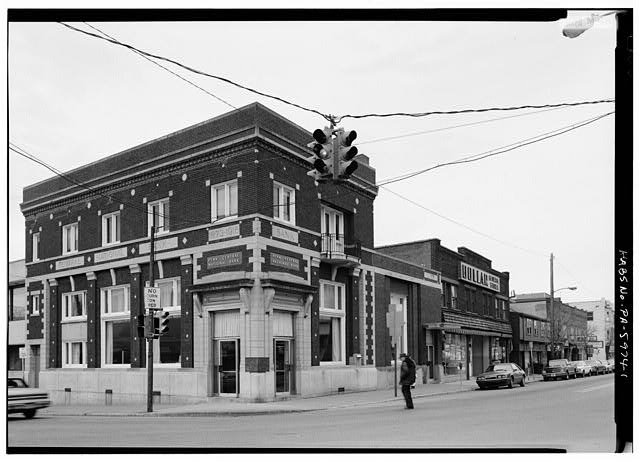 1.  VIEW OF CENTRAL NATIONAL BANK LOOKING EAST. LOCATED AT THE CORNER OF JEFFERSON AND SHIRLEY STREETS - Town of Mount Union, Near U.S. Highway 522, Mount Union, Huntingdon County, PA