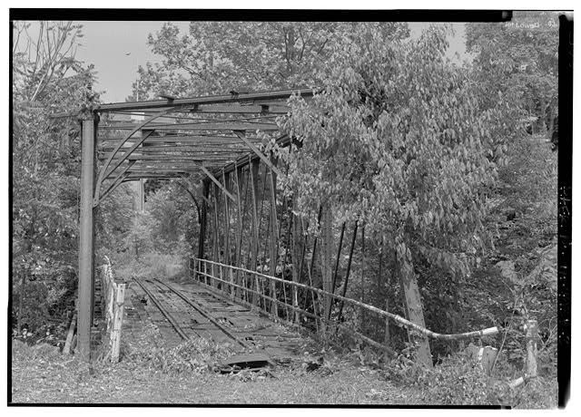 Attempted view, interior of truss. - Phoenix Iron Company, French Creek Bridge, Spanning French Creek between Gay Street & Main Street, Phoenixville, Chester County, PA