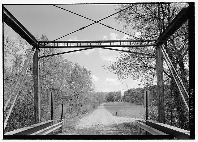 5.  INTERIOR, LOOKING EAST TO END POSTS AND PORTAL. - Williams Road Bridge, Spanning Sugar Creek Middle Branch, Chapmanville, Venango County, PA