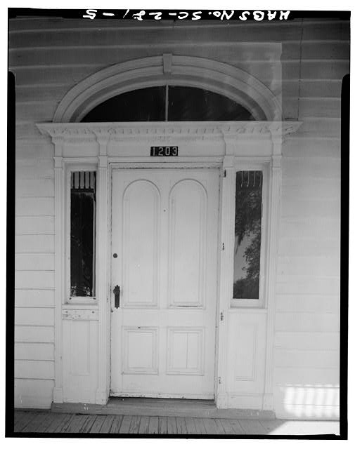 5.  DETAIL OF MAIN ENTRANCE, SOUTH ELEVATION - John Cuthbert House, 1203 Bay Street, Beaufort, Beaufort County, SC