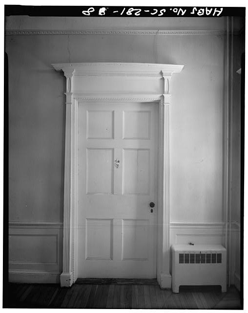 8.  HALL, FIRST FLOOR: TYPICAL DOOR AND CASE INTO SOUTHEAST AND SOUTHWEST ROOMS - John Cuthbert House, 1203 Bay Street, Beaufort, Beaufort County, SC