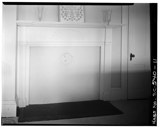 11.  SECOND FLOOR, SOUTHWEST ROOM: ORIGINAL MANTLE - Cassena (House), 315 Federal Street, Beaufort, Beaufort County, SC