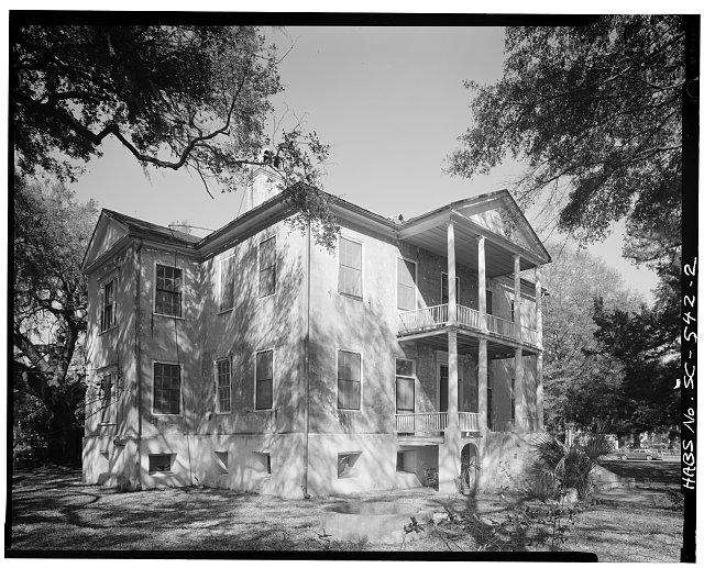 2.  SOUTH (FRONT) ELEVATION AND WEST SIDE - Elizabeth Barnwell Gough House, 705 Washington Street, Beaufort, Beaufort County, SC