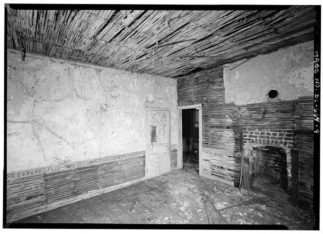 9.  INTERIOR VIEW OF FIRST FLOOR WEST ADDITION, CENTER ROM, EAST AND NORTH WALLS - 14 Amhearst Street, Charleston, Charleston County, SC