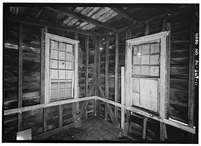 11.  INTERIOR VIEW OF SECOND FLOOR SOUTHWEST ROOM, SOUTH AND WEST WALLS - 14 Amhearst Street, Charleston, Charleston County, SC
