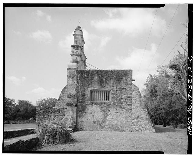 6.  NORTH ELEVATION AND BUTTRESSES ON WEST ELEVATION - Mission San Juan de Capistrano, Chapel, Berg's Mill-Graf Road, San Antonio, Bexar County, TX