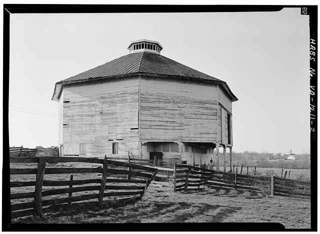 2.  CLOSE VIEW - Harnsberger Octagonal Barn, Virginia Route 256, West of Intersection with Virginia Route 865, Grottoes, Rockingham County, VA