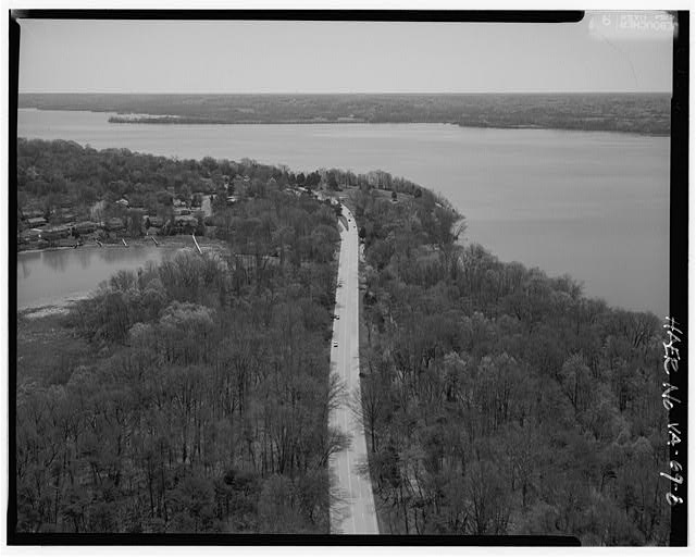 8.  AERIAL VIEW APPROACHING LITTLE HUNTING CREEK BRIDGE LOOKING SOUTHEAST. - George Washington Memorial Parkway, Along Potomac River from McLean to Mount Vernon, VA, Mount Vernon, Fairfax County, VA