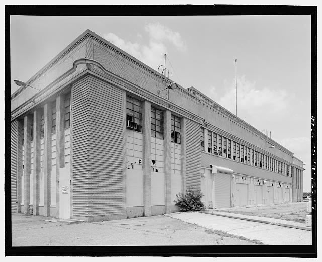 7.  FROM PIER, LOOKING NORTHWEST AT EAST FRONT AND SOUTH SIDE  - Ford Motor Company Plant, 700 South Union Street, Alexandria, Independent City, VA