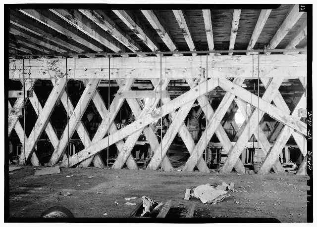 9.  Truss bracing, inside laminated arch, 1st floor; view is south. - E. &amp; T. Fairbanks &amp; Company, Two-Story Covered Bridge, Saint Johnsbury, Caledonia County, VT
