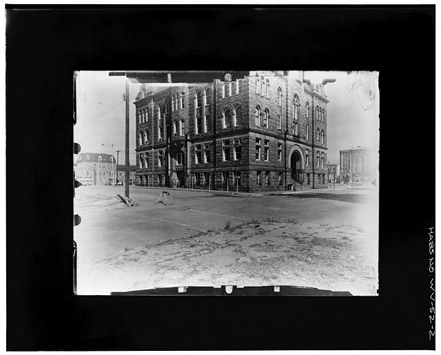 2.  ANGLED FROM SW--LEVEL Copy photograph of photogrammetric plate LC-HABS-GS05-B-1974-603L. - Old Wood County Courthouse, Parkersburg, Wood County, WV