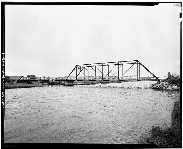 1.  VIEW LOOKING SOUTH TOWARD NORTH WEB - Green River Bridge, Spanning Green River on County Road No. 145, Daniel, Sublette County, WY