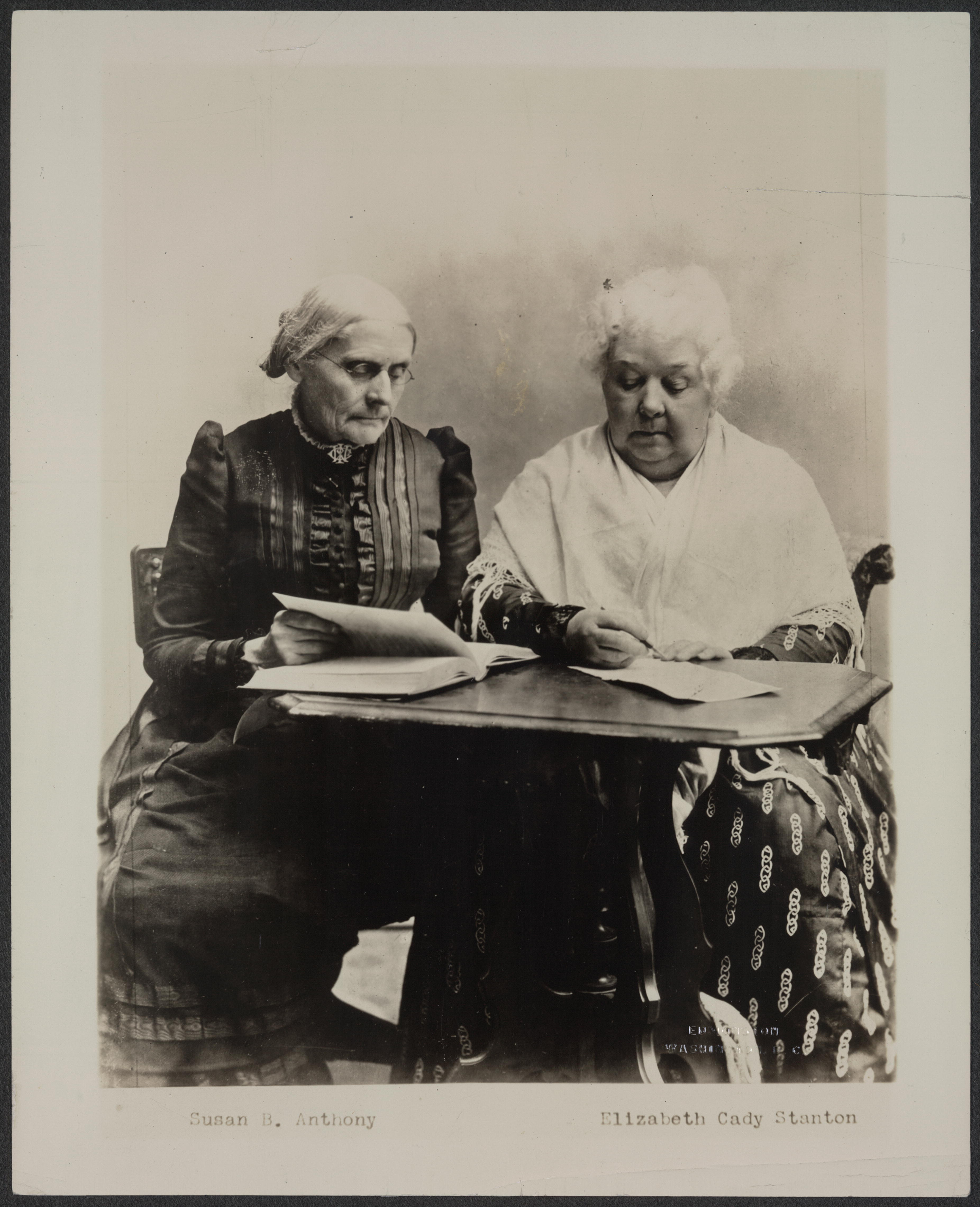 a biography of susan b anthony an american womens rights activist One of the first american feminists and women's rights activist susan b anthony played a pivotal role in the 19th century women's rights and women's suffrage movements in the united states.