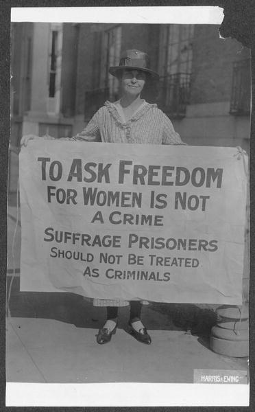 mary winsor  penn    u0026 39 17  holding suffrage prisoners banner
