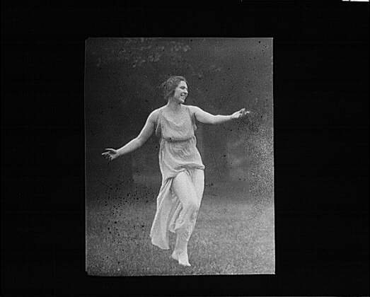 Elizabeth Duncan dancer