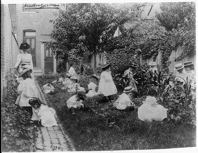 [Kindergarten in a vegetable garden, Washington, D.C.]