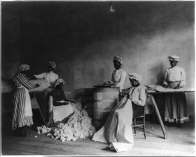 [African American students in mattress-making class, Tuskegee Institute, Tuskegee, Ala.]