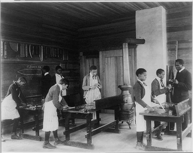 [Students in workshop, Tuskegee Institute, Ala.]