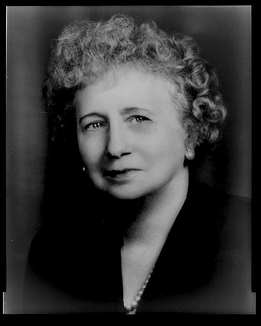 [Mrs. Harry S. Truman, head-and-shoulders portrait, facing left]
