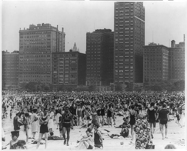 Chicago's Oak Street Beach in 1950