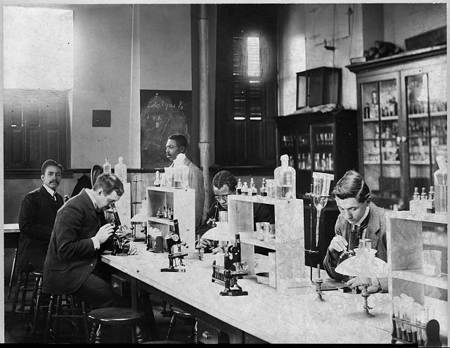Howard Univ., Washington, D.C., ca. 1900 - class in bacteriology laboratory