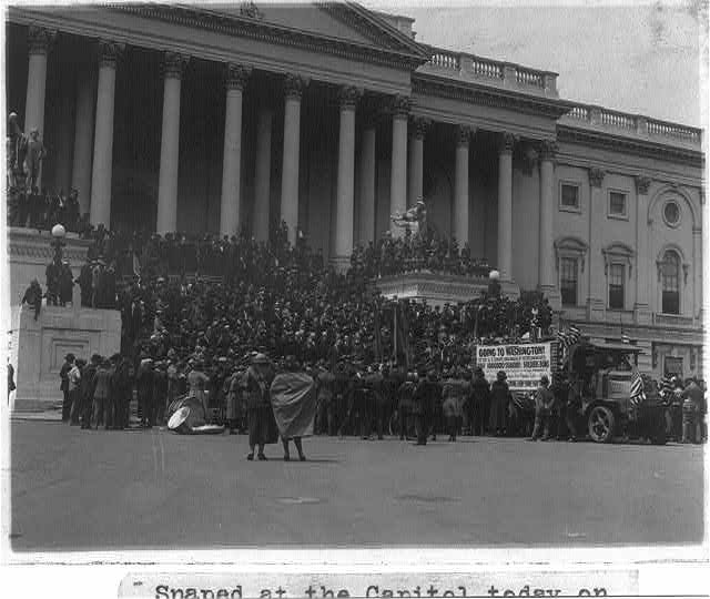 Crowd on steps of the U.S. Capitol on the arrival of a bonus petition signed by over 1,000,000 veterans