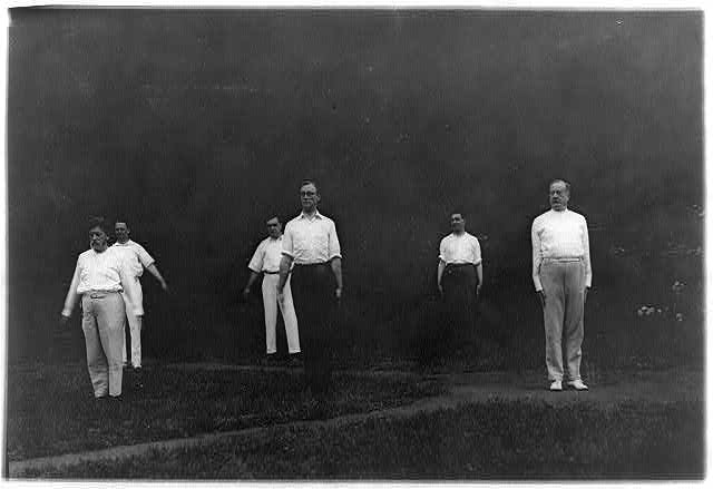 [Woodrow Wilson's Cabinet members exercising - F.D. Roosevelt in center foreground, Aug. 1917]