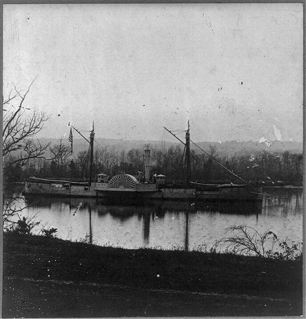 "[U.S. gunboat ""Mendota"" in James River, near Dutch Gap Canal; Peterburg, Virginia, campaign]"