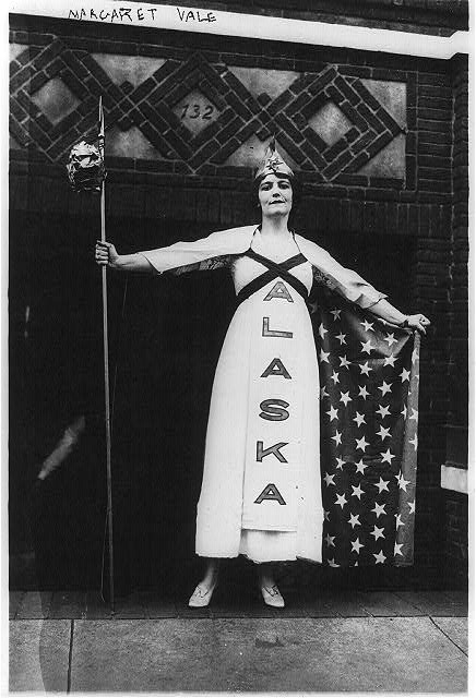 Suffragettes - U.S. - Margaret Vale (Mrs. George Howe), niece of Pres. Wilson in Suffrage parade, New York. Oct. 1915.
