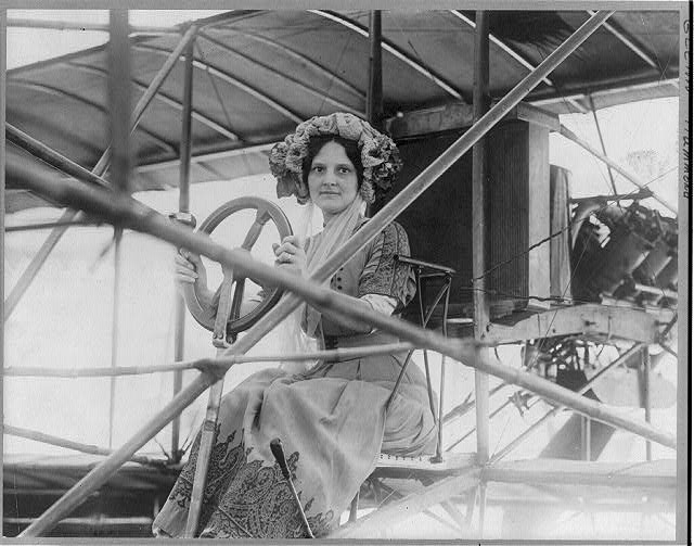 Lena Pearl Neff Curtiss, wife of Glenn Hammond Curtiss