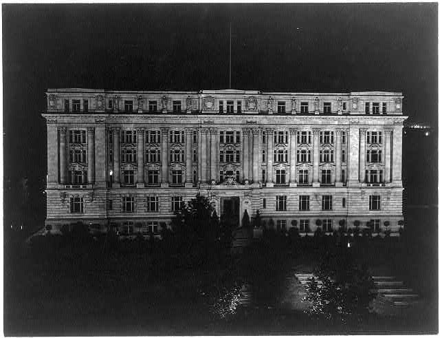 D.C., Washington. District Building. 1908. View at night