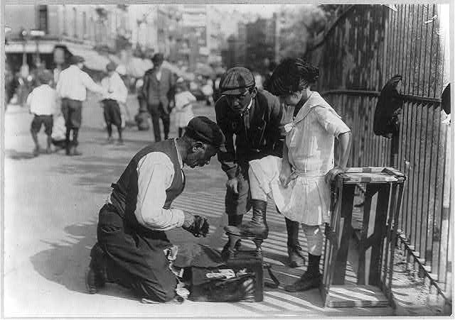Peddlers - shoe shine. Sept. 13, 1911