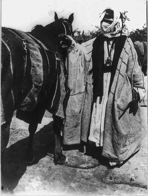 Bedouin dressed in a bist