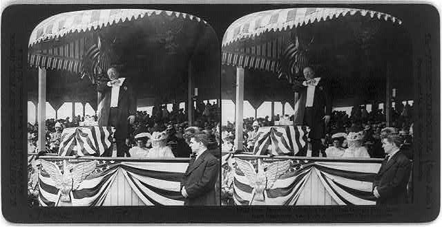 Pres. [Theodore] Roosevelt delivering his address, Georgia Day, Jamestown Exposition, Va.