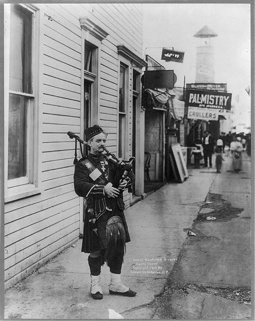 Scotch bagpiper, Coney Island, [Brooklyn], N.Y.