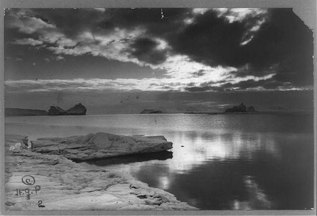 Midnight sun in the Antarctic
