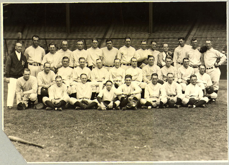 [New York Yankees baseball team posed]