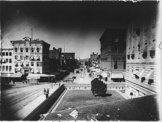 7th and 9th St., N.W., Wash., D.C.--Looking up F Street [from 9th St. to 7th St.]