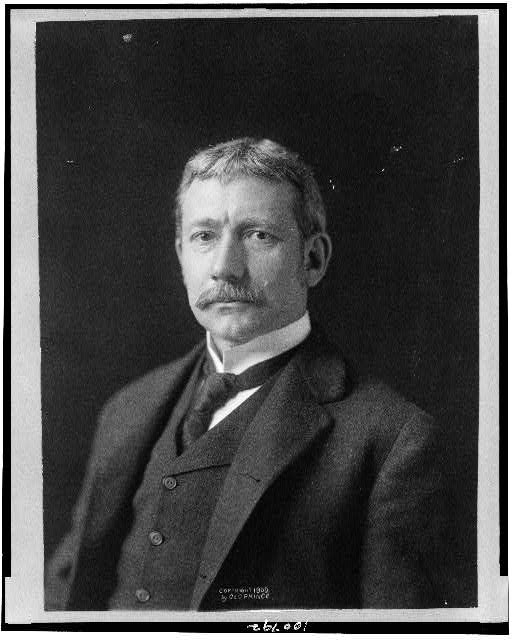 [Elihu Root, Secretary of War, half-length portrait, facing slightly left]