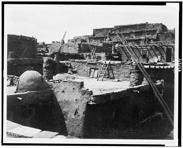 [The terraced houses of Zuni]