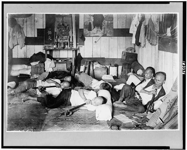 [Opium den on Malinta Street, Manila, Philippine Islands]
